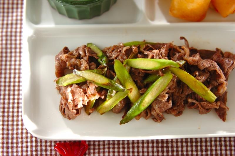 牛肉とアスパラの黒コショウ炒め